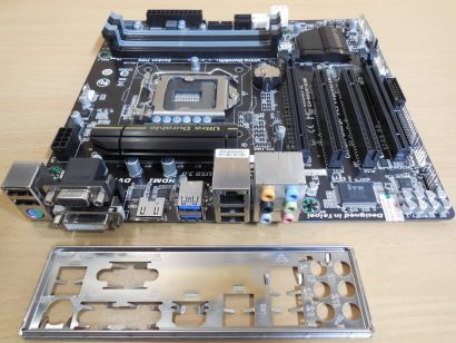 Gigabyte GA-B85M-D3H Rev1.1 Mainboard +Blende B85 Sockel 1150 PCIe 3.0 DDR3*m789