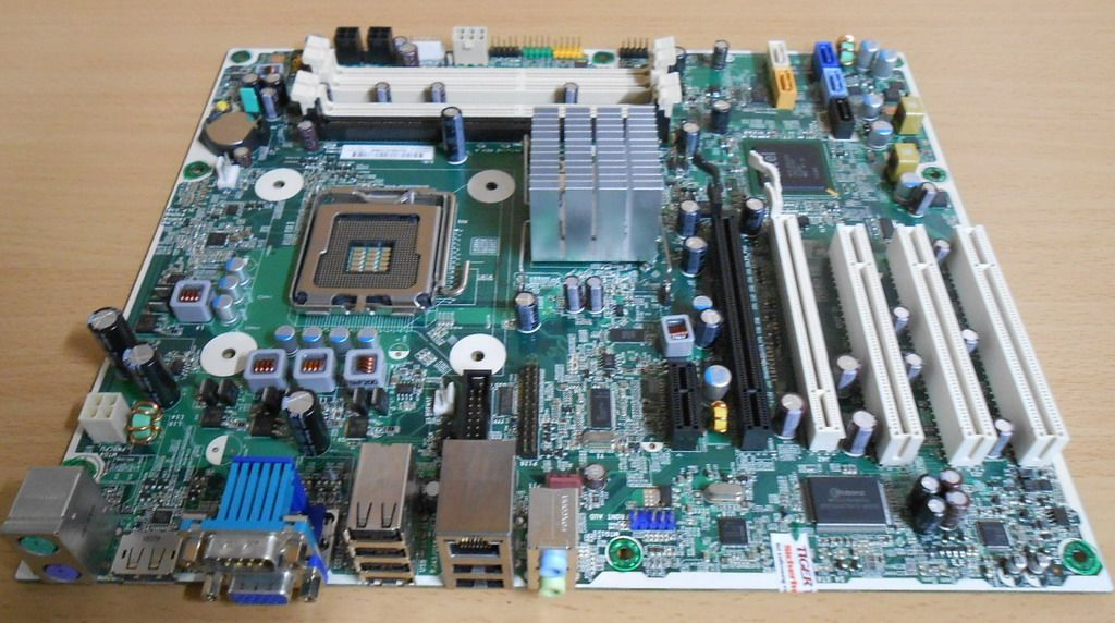 HP Compaq 8000 Elite Mainboard Sockel 775 HP Saturn2 RevA 536883 536455  001*m722