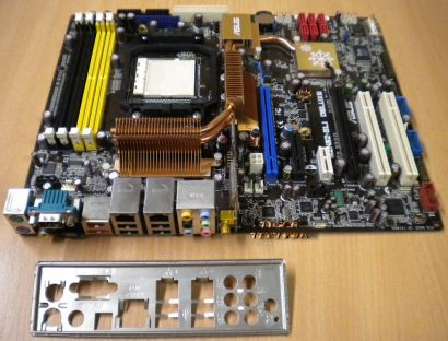ASUS M2N32-SLI Deluxe WiFi Rev 1.04G AM2 Mainboard + Blende* m151