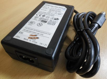 APD Asian Power Devices DA-30C01 AC DC 12V-5V Adapter 4x Pin Stecker* nt477