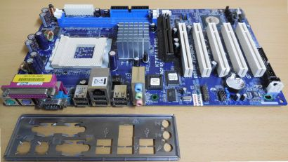 ASRock K7VT4A Pro Rev2.01 Mainboard+Blende Sockel A 462 FSB333 DDR AGP SATA*m633