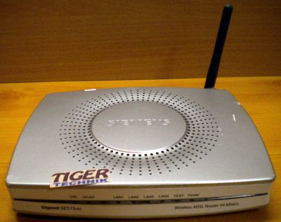 Siemens Gigaset SE515 Router ADSL 4x LAN Firewall WLAN bis zu 54 Mbit * nw373