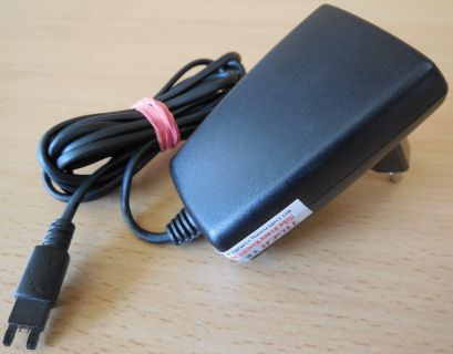 Salcomp 4020078-BV AC DC Adapter 4.9V 450mA Netzteil Sony Ericsson CST-13* nt884