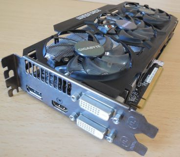 GIGABYTE Gaming GV-R929OC-4GD AMD Radeon 4GB GDDR5 PCI-E16 3.0 DVI HDMI DP* g355
