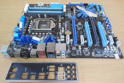 Asus P7P55D-E Rev1.02G Mainboard +Blende Intel Sockel 1156 DDR3 PCIe GBLAN* m847