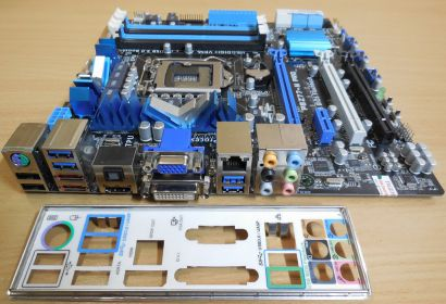 Asus P8Z77-M Pro Rev1.01 Mainboard +Blende Intel Z77 Sockel 1155 DDR3 USB3* m879