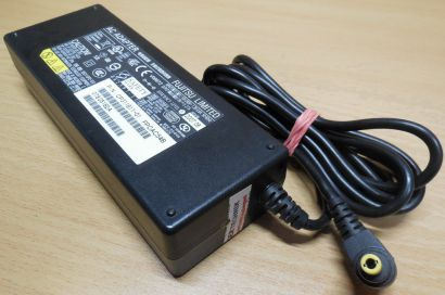 FUJITSU Model SED110P2-19.0 CP311811-01 AC DC Adapter 19V 5,27A Netzteil* nt641