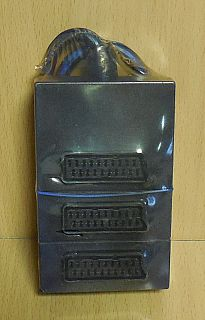 SCART Verteiler blau mit ca. 0,35m Kabel 3x Buchse 1x Stecker* so794