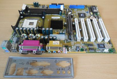 VIA P147 Rev 0.1 Mainboard + Blende Sockel 478 DDR IDE AGP Audio Gameport* m900