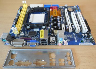ASRock N68PV-GS Rev1.02 Mainboard +Blende Sockel AM2+ AM2 VGA DVI DDR2 1066*m932