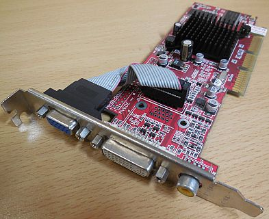 Club 3D CGA-7064DTVD Tul Radeon 7000 AGP 64MB 64Bit VGA DVI Composite Out* g408