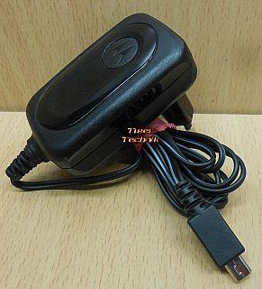 Motorola SPN5189A 5100 AC DC Adapter 5V 550mA Netzteil RAZR V3 X i L 6 7 U*nt891