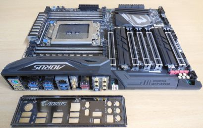 Gigabyte X399 AORUS Gaming 7 Mainboard +Blende AMD Sockel TR4 Threadripper* m975