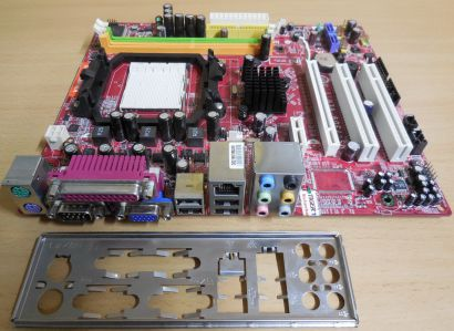 MSI K9N6PGM2-V Mainboard +Blende MS-7309 Ver 1.3 AMD Sockel AM2+ AM2 VGA* m978